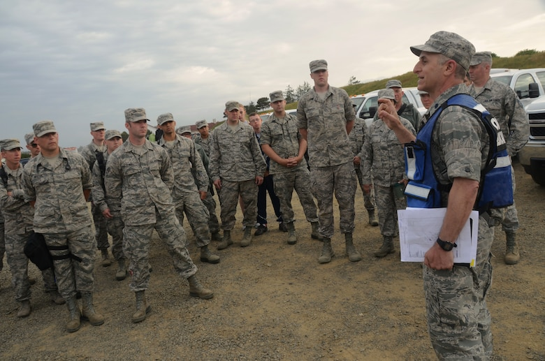 Oregon Air National Guard Lt. Col. Alex Charney-Cohen briefs medical members from the 142nd Fighter Wing during the Cascadia Rising exercise at Camp Rilea, Warrenton, Ore., June 8, 2016. Cascadia Rising scenario is a 9.0 magnitude earthquake along the Cascadia Subduction Zone (CSZ) resulting in a tsunami, testing first responders, emergency management and public safety officials in the Pacific Northwest. (U.S. Air National Guard photo by Tech. Sgt. John Hughel, 142nd Fighter Wing Public Affairs/Released)