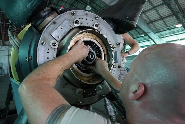 U.S. Air Force Staff Sgt. Michael Marks, a propulsion mechanic from the Kentucky Air National Guard's 123rd Airlift Wing, mounts a propeller to a C-130 engine at the Air National Guard's Air Dominance Center in Savannah, Ga., June 15, 2016. Marks is attending Maintenance University here, a weeklong course designed to provide intensive instruction in aircraft maintenance. Now in its eighth year, Maintenance University is sponsored by the 123rd Airlift Wing. (U.S. Air National Guard photo by Lt. Col. Dale Greer)