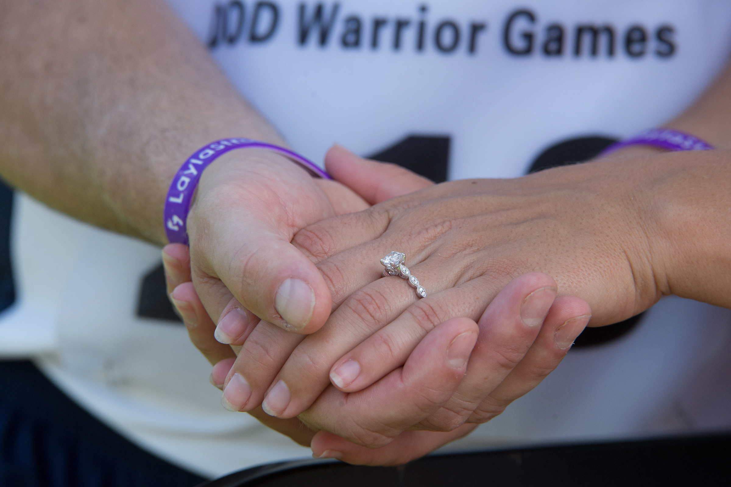 Runners Get Engaged at DoD Warrior Games, Dedicate Medal to Niece ...