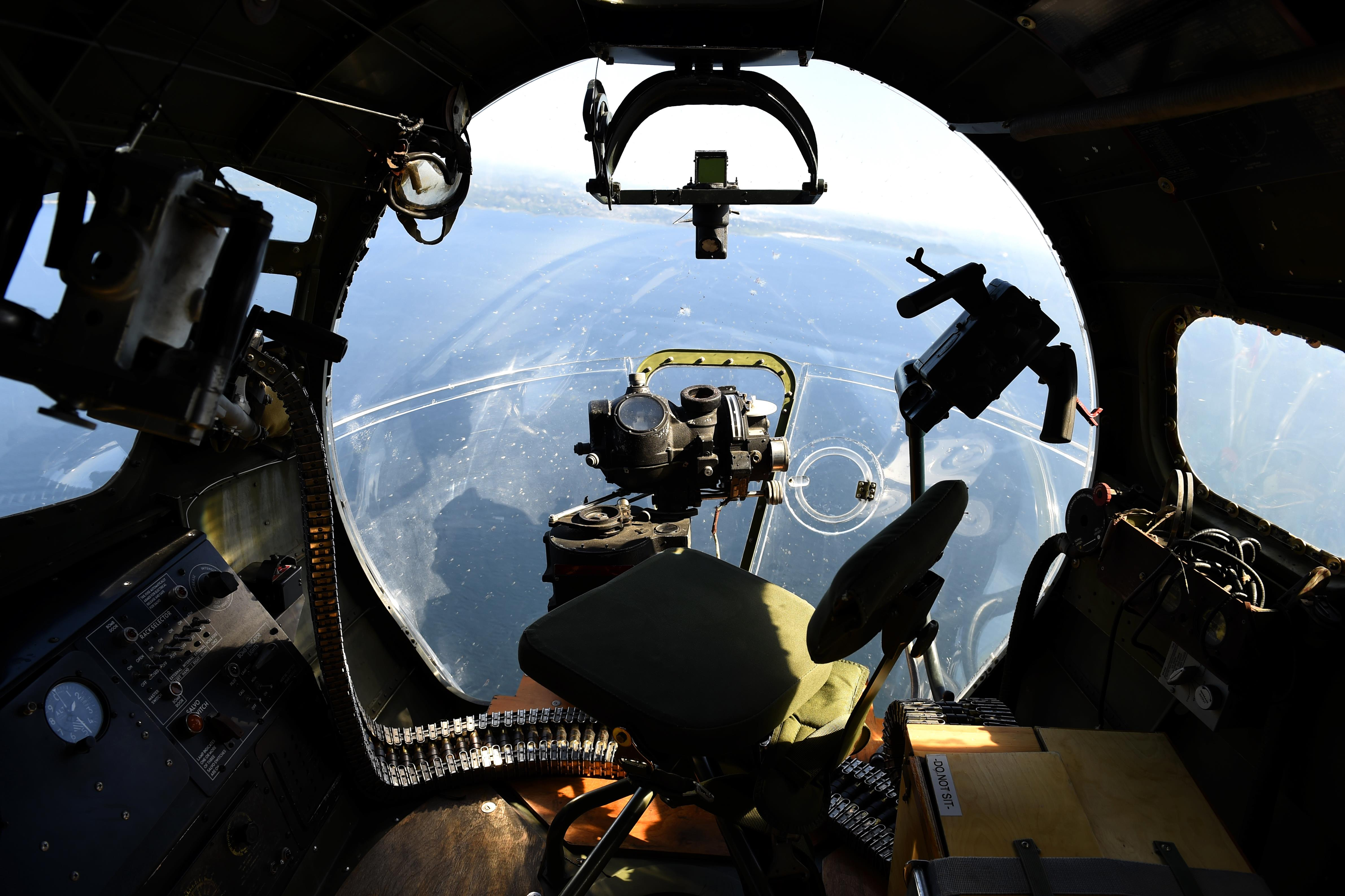 Living History: WWII vets and B17 take to the sky over Seattle