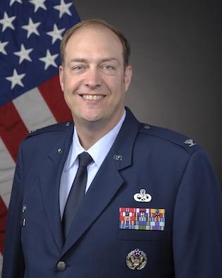 Colonel Sean W. Robertson's official photo