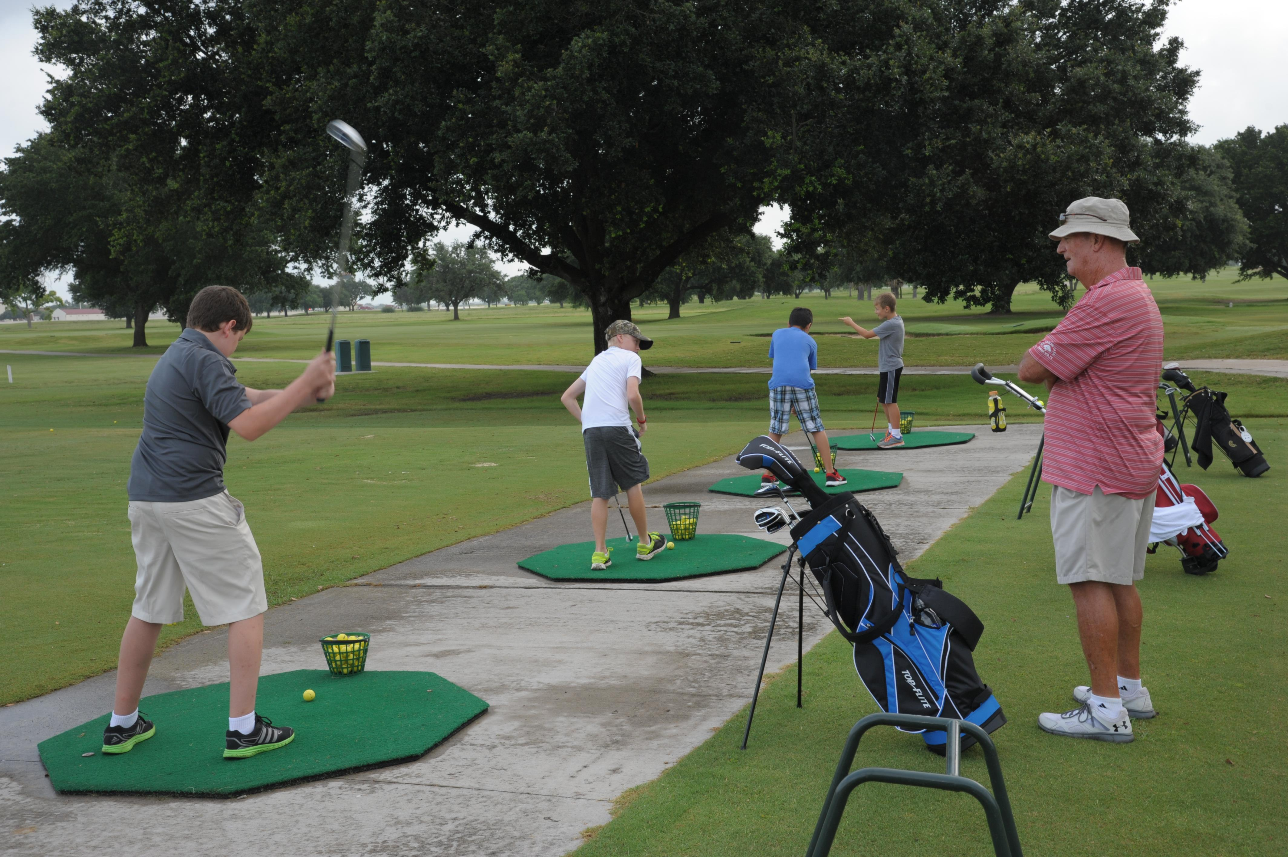 Young Golfers Learn Skills At Jbsa Randolph Golf Camp