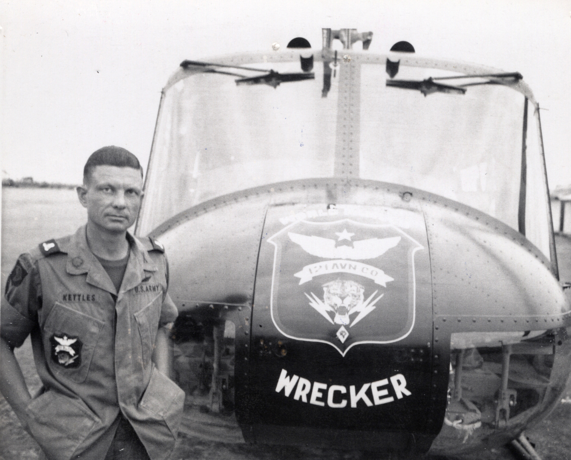 vietnam helicopter pilots with Vietnam War Helicopter Pilot To Receive Medal Of Honor on  also Vietnam War Helicopter Pilot To Receive Medal Of Honor moreover Today In Manhunting History October 3 besides 2 furthermore Chinese Peoples Armed Police Corps Cpap.