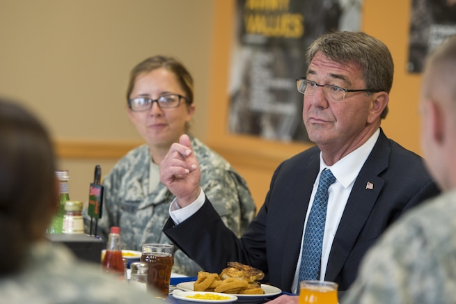 Defense Secretary Ash Carter shares thoughts over a meal with Army ROTC cadets attending the Cadets Leader Course at Fort Knox, Ky., June 22, 2016. DoD photo by Air Force Staff Sgt. Brigitte N. Brantley