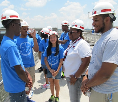 NASHVILLE, Tenn. (June 24, 2016) –The U.S. Army Corps of Engineers Nashville District collaborated with the Tennessee State University College of Engineering, Technology and Computer Science Department to mentor science, technology, engineering and math students involved in a four-week National Summer Transportation Institute program on the campus of TSU June 20 through July 1.