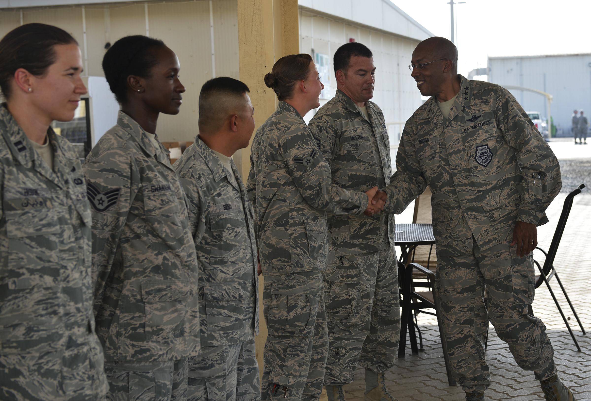 Un Afro-américain nommé chef d'état-major de l'US Air Force, une première dans l'histoire des États-Unis