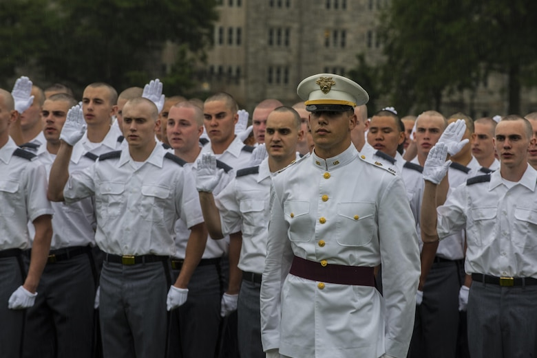 New Cadets at the U.S. Military Academy at West Point, N.Y., recite the oath of enlistment at the plain in front of family and friends during R-day, June 27. (U.S. Army photo by Sgt. 1st Class Brian Hamilton/ released)