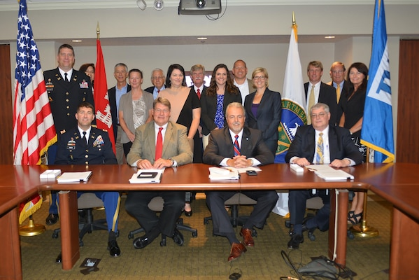The U.S. Army Corps of Engineers, Nashville District joined forces with the Southeastern Power Administration,  the Tennessee Valley Authority, the Tennessee Valley Public Power Association, Inc., and their preference customers on June 27, at a ceremonial signing of a Memorandum of Agreement in Chattanooga, Tenn.