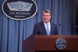 Defense Secretary Ash Carter announces a new transgender policy for the Defense Department during a Pentagon news conference, June 30, 2016. DoD photo by Navy Petty Officer 1st Class Tim D. Godbee