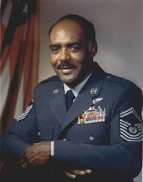 Photograph of CMSAF Thomas N. Barnes Oct 1973 - Jul 1977