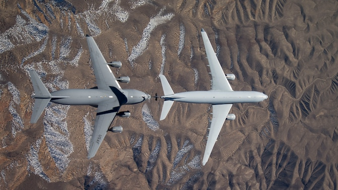 Overhead view of a Royal Australian Air Force KC-30A multirole tanker connecting with a U.S. Air Force C-17 Globemaster III from the 418th Flight Test Squadron at Edwards Air Force Base, Calif., Feb. 10, 2016. (U.S. Air Force photo/Christian Turner)