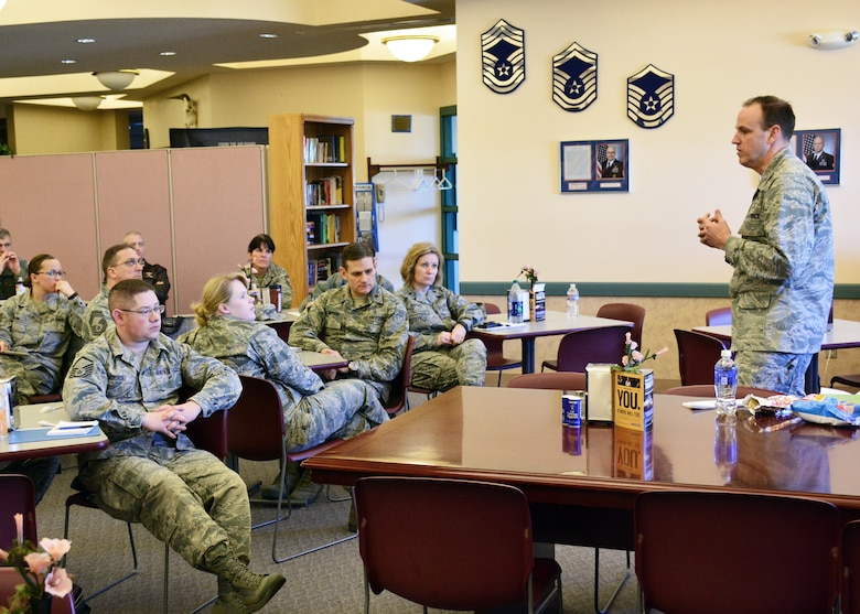 120th Airlift Wing Commander Col. Lee Smith discusses Enlisted Performance Report stratification with Airmen during a brown bag lunch held in the wing dining facility Feb. 24, 2016. Col. Smith plans to have a brown bag lunch event held on base at least once a month. (U.S. Air National Guard photo by Senior Master Sgt. Eric Peterson)