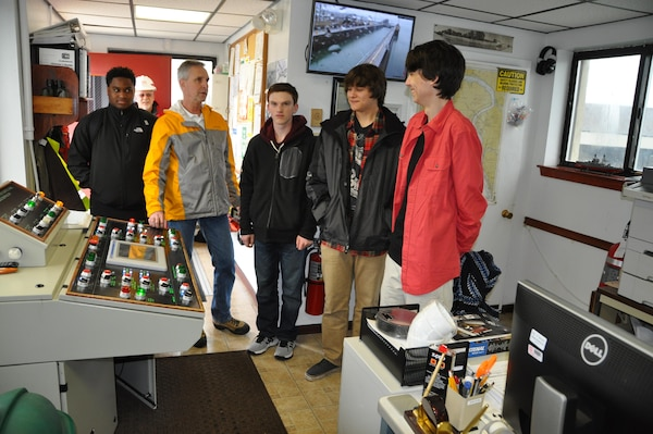 Students from two local Buffalo, NY high schools, Niagara Falls and the Charter School or Applied Technologies, visited the USACE Buffalo District Corps of Engineers March 10, 2016 as part of a job shadow opportunity. Six students from the two schools received demonstrations and presentations from an array of engineering and science disciplines.