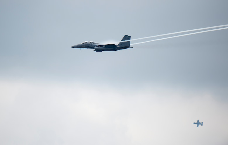 An F-15E Strike Eagle flies over Grand Bay Bombing and Gunnery Range at Moody Air Force Base, Ga., Mar. 4, 2016. Multiple U.S. Air Force aircraft within Air Combat Command conducted joint aerial training that showcased the aircrafts tactical air and ground maneuvers, as well as its weapons capabilities. (U.S. Air Force photo by Staff Sgt. Brian J. Valencia/Released)