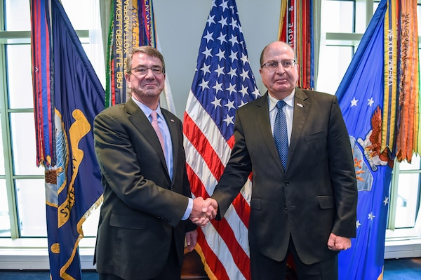 Defense Secretary Ash Carter and Israeli Defense Minister Moshe Yaalon stand for a photo at the Pentagon, March 14, 2016. DoD photo by Army Sgt. 1st Class Clydell Kinchen