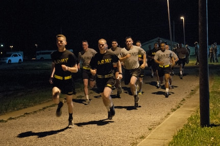 U.S. Army Reserve Soldiers, competing in the 316th Sustainment Command (Expeditionary) Best Warrior Competition, begin the two mile run portion of the Army Physical Fitness Test at Fort Knox, Ky., March 16, 2016. (U.S. Army photo by Staff Sgt. Dalton Smith/Released)