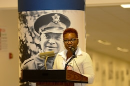 Wanda Petty, a former ACP Protege, gives a few remarks on how the program has helped her during the American Corporate Partners and USAR Partnership Signing at the Pentagon in Washington March 21, Payton Iheme, a current ACP Protege, gives a few remarks on ow the program has helped her.