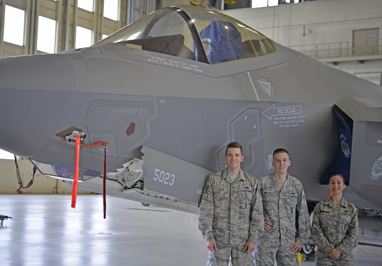 eglin afb girls Boys & girls clubs of america and raytheon create stem centers of innovation for youth new centers in colorado springs, san diego, san antonio and eglin afb to enhance science, technology, engineering and math experience for military youth.