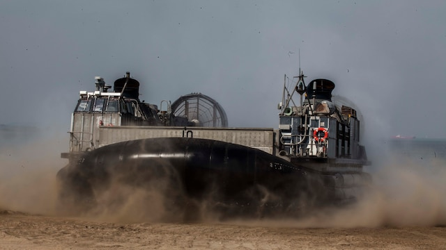 A Landing Craft Air Cushion assigned to Naval Beach Unit 7 arrives to pick up 31st Marine Expeditionary Unit personnel and equipment during Exercise Ssang Yong 16, Dogu Beach, Pohang, South Korea, March 17, 2016. Ssang Yong 16 is a biennial combined amphibious exercise conducted by U.S. forces with the Republic of Korea Navy and Marine Corps, Australian Army and Royal New Zealand Army forces in order to strengthen interoperability and working relationships across a wide range of military operations. The Marines and sailors of the 31st MEU are currently deployed aboard the Bonhomme Richard Amphibious Ready Group as part of their spring deployment of the Asia-Pacific region.