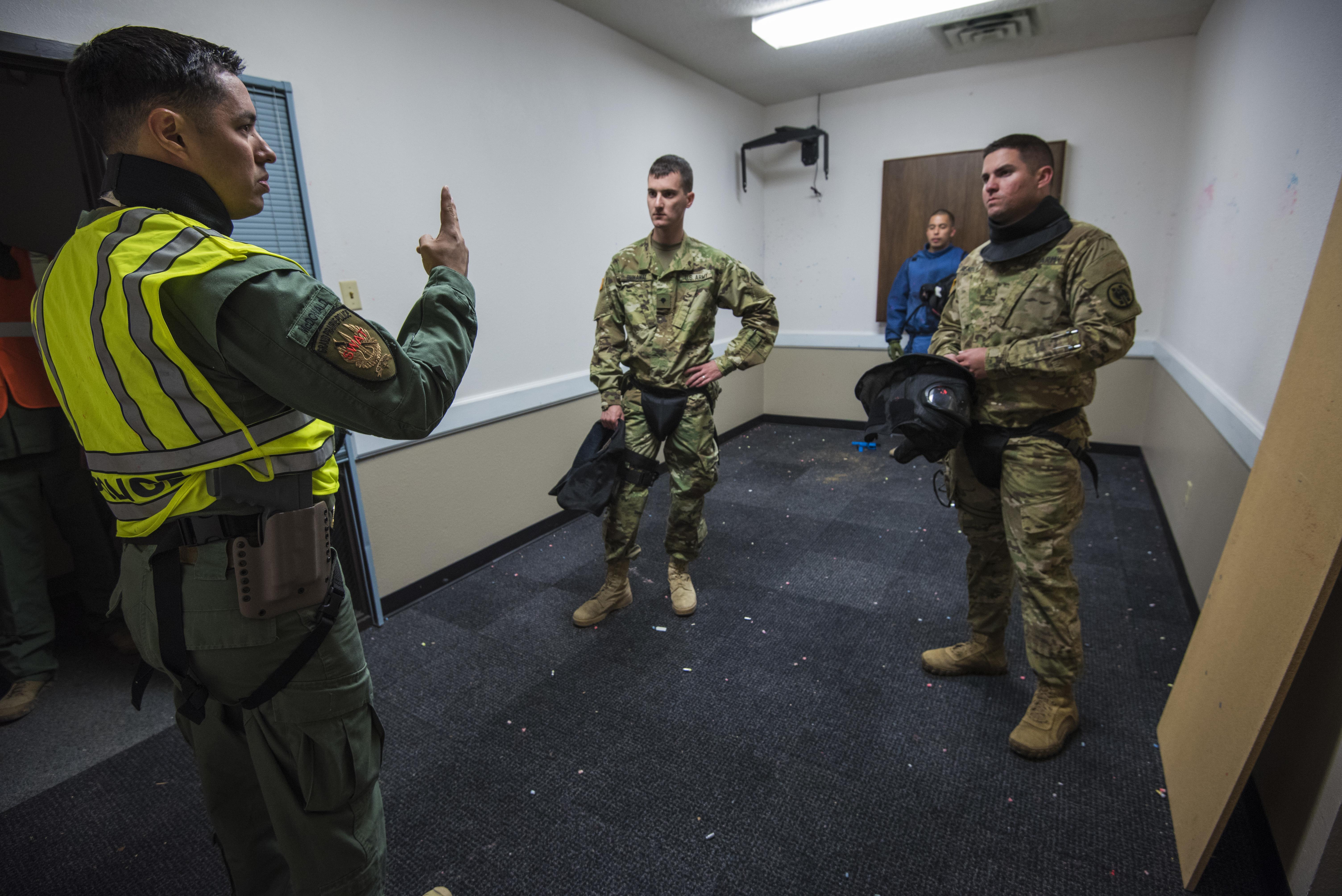 Reserve Military Police train with local police