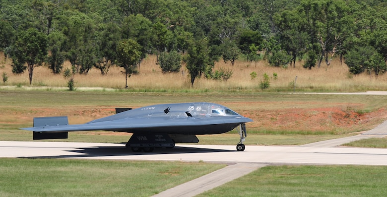 A U.S. Air Force B-2 Spirit bomber lands at Royal Australian Air Force Base Tindal, Australia, March 22, 2016, in order to perform an engine running crew change. The B-2 was one of three that were deployed to the Indo-Asia-Pacific region from March 8 through 29 to enhance bomber crew readiness and proficiency and to integrate capabilities with key regional partners. U.S. Strategic Command bombers regularly rotate through the Indo-Asia-Pacific region to conduct theater security cooperation engagements with U.S. allies and partners and demonstrate a shared commitment to promoting security and stability in the region (U.S. Air Force photo by Senior Airman Joel Pfiester/Released)