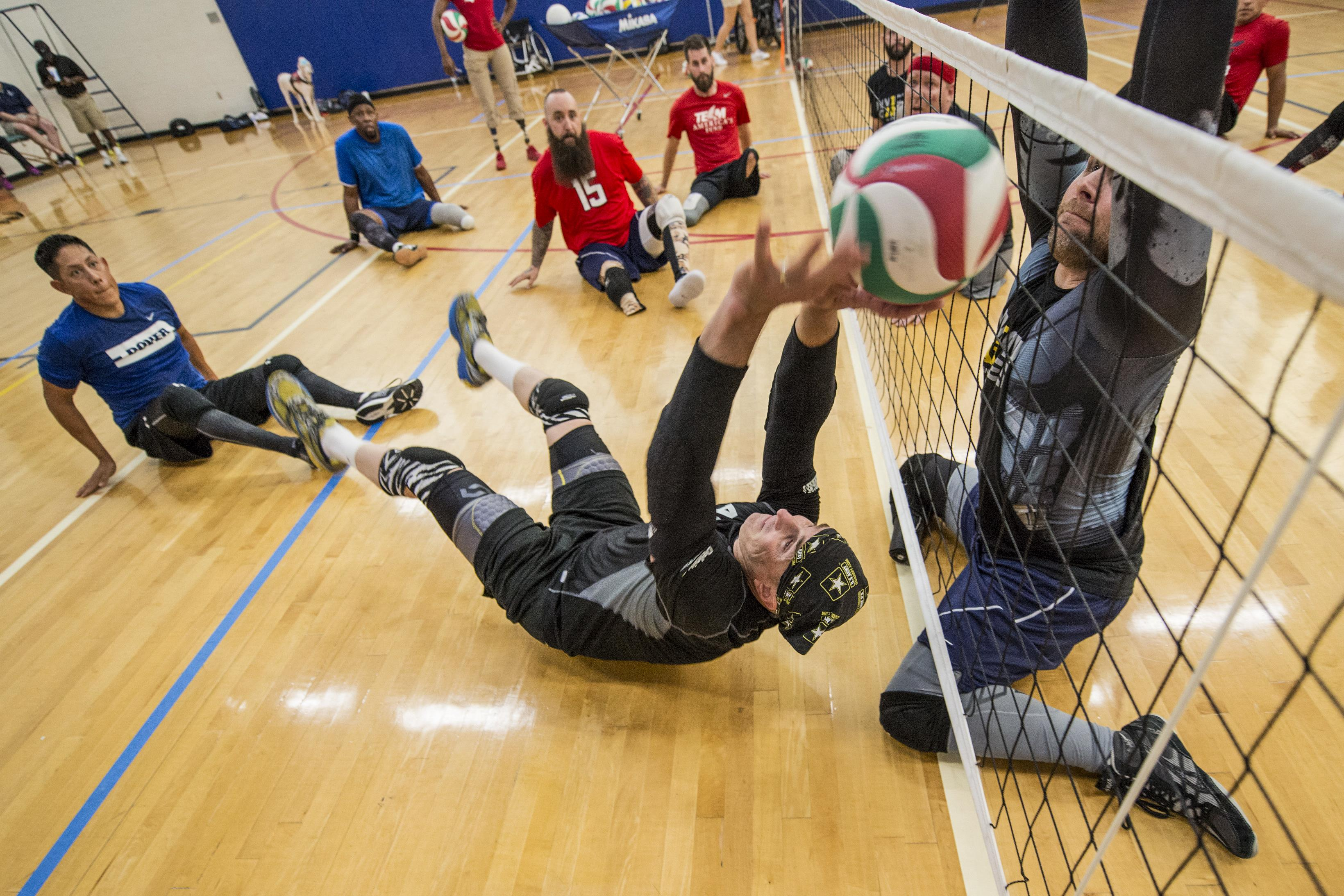 2016 invictus games recovering service members participate in volleyball training