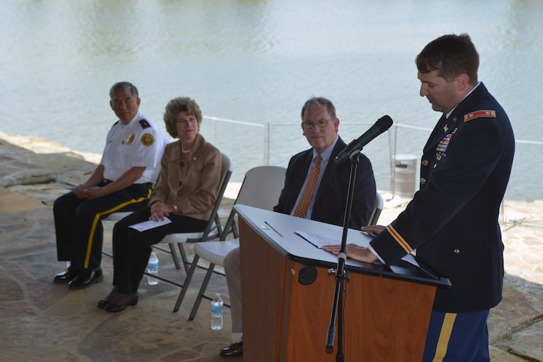 Lt. Col. Stephen Murphy, U.S. Army Corps of Engineers Nashville District commander, speaks to the crowd at the Riverside Drive Stream Bank Stabilization completion ceremony April 26, 2016 Freedom Point.