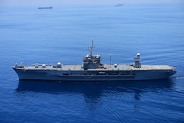 INDIAN OCEAN (March 31, 2016) - The U.S. 7th Fleet flagship USS Blue Ridge (LCC 19) steams in the Indian Ocean as she departs Colombo, Sri Lanka. Blue Ridge is currently on patrol in the 7th Fleet area of operations strengthening and fostering relationships within the Indo-Asia-Pacific. (U.S. Navy photo by Mass Communication Specialist 3rd Class Jordan KirkJohnson/ RELEASED)