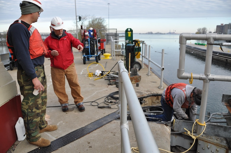 The U.S. Army Corps of Engineers, Detroit District maintenance crew dedicated to the Soo Locks, located at Sault Ste. Marie in the upper peninsula of Michigan, have arrived at the Buffalo District to repair a portion of the 100-year old Black Rock Lock, Buffalo, NY.