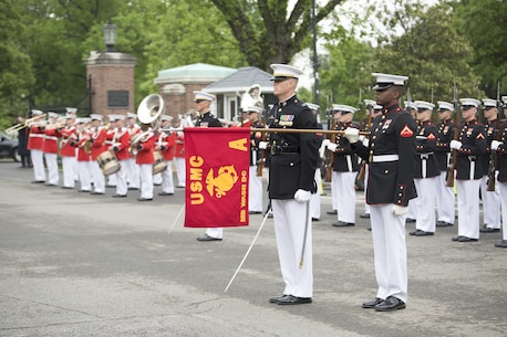 Marines from Marine Barracks Washington, D.C., support a full honors funeral at Arlington National Cemetery, Va., May 5, 2016. (Official Marine Corps photo by Cpl. Chi Nguyen/Released)