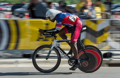 Army Staff Sgt. Zed Pitts cycling in the 2016 Invictus Games.