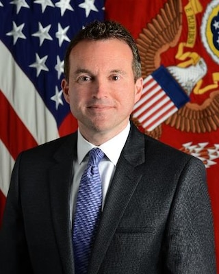 Official photo of Eric Fanning, Secretary of the United States Army
