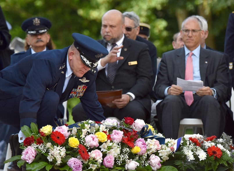 PARIS - U.S. Air Force Gen. Frank Gorenc, U.S. Air Forces in Europe-Air Forces Africa commander, lays a wreath a Memorial Day ceremony at the Lafayette Escadrille Memorial, in Marnes-la-Coquette, France, May 28, 2016.  The ceremony commemorated the shared sacrifices of French and American forces, and recognizing the enduring relationship the two countries have maintained for more than 240 years. (U.S. Air Force photo by Senior Master Sgt. Brian Bahret/Released)