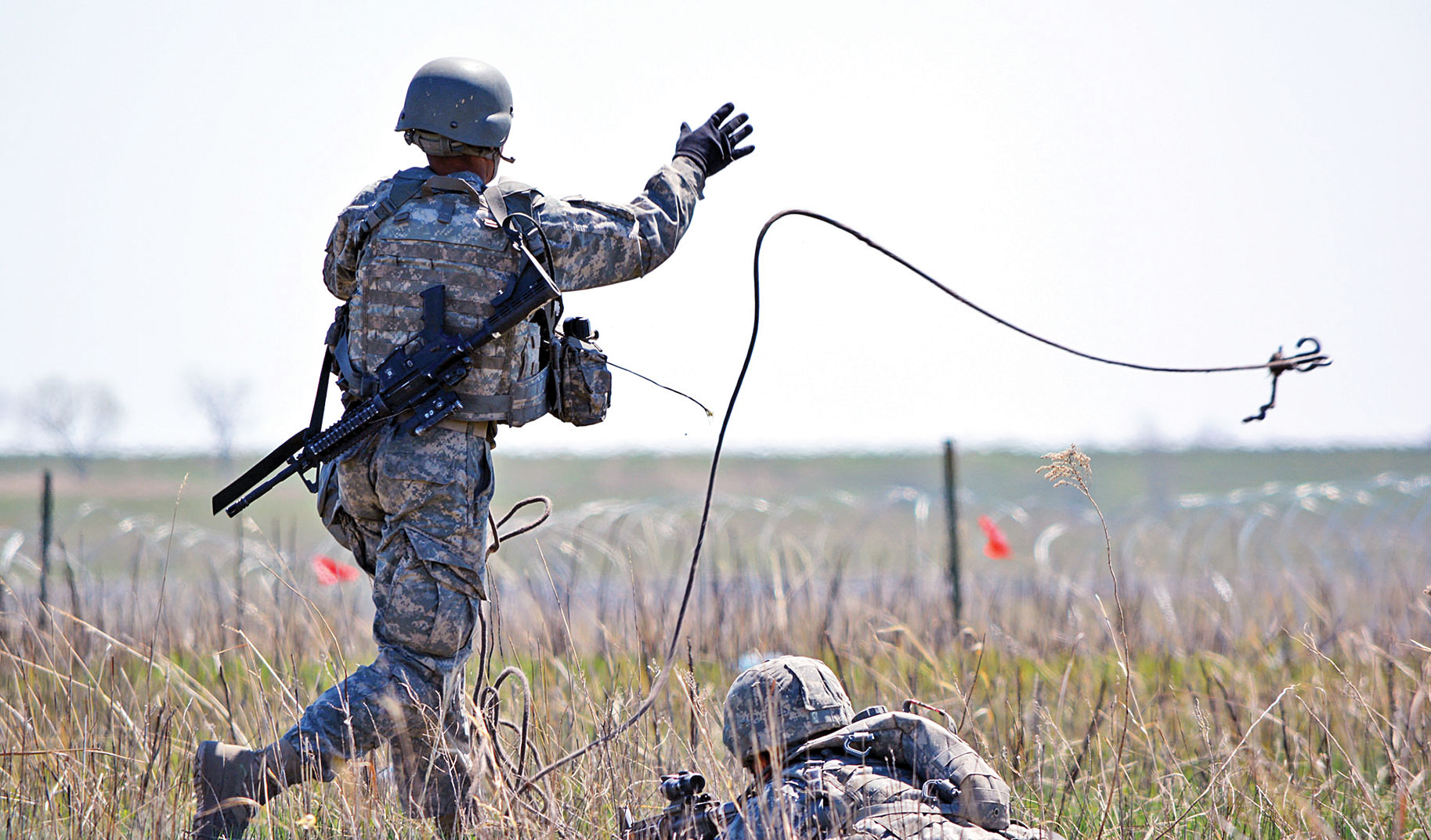 First Engineer Battalion Soldiers conduct sapper qualifications ...