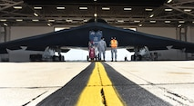Crew chiefs from the 509th Aircraft Maintenance Squadron prepare a B-2 Spirit for takeoff during Exercise Global Thunder 17 (GT17) at Whiteman Air Force Base, Mo., Oct. 27, 2016. GT17 is U.S. Strategic Command's annual field training and battle staff exercise to train Department of Defense forces and assess joint operational readiness. (U.S. Air Force photo by Senior Airman Joel Pfiester)