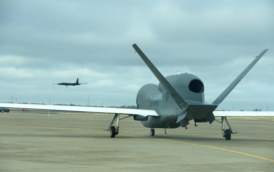 A RQ-4 Global Hawk proceeds down the taxiway prior to departure Nov. 1, 2016, at Beale Air Force Base, California. The RQ-4 Global Hawk is a high-altitude, intelligence, surveillance and reconnaissance, long-endurance, remotely piloted aircraft. (U.S. Air Force photo/Staff Sgt. Bobby Cummings)