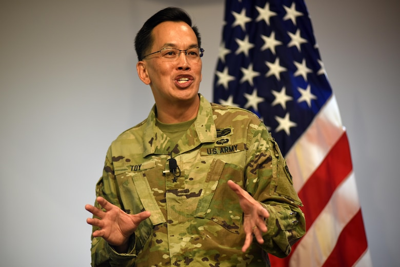Brig. Gen. Mark Toy, U.S. Army Corps of Engineers Great Lakes and Ohio River Division commander, addresses Nashville District employees Nov. 2, 2016 about his vision during his first visit to Nashville, Tenn., since taking command.