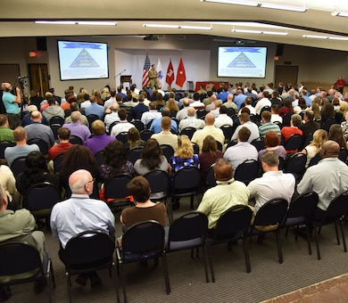 NASHVILLE, Tenn. (Nov. 2, 2016) – Nashville District employees tuned into the U.S. Army Corps of Engineers Great Lakes and Ohio River Division commander today during the general's first visit to Music City.