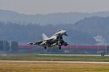 A Royal Air Force Eurofighter Typhoon FRG4 takes off at Osan Air Base, Republic of Korea, Nov. 7, 2016. The RAF deployed the largest number of assets on the Korean Peninsula since the Korean War during Invincible Shield, an interoperability exchange, from Nov. 1 – 10. (U.S. Air Force photo by Senior Airman Victor J. Caputo)