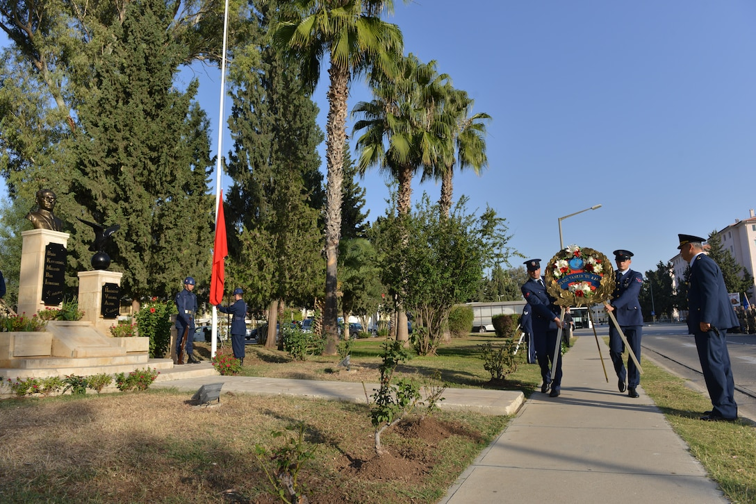 Turkish Air Force members assigned to the 10th Tanker Base carry a wreath during a memorial ceremony for Mustafa Kemal Ataturk Nov. 10, 2016, at Incirlik Air Base, Turkey. Ataturk was the founder and first president of the modern Republic of Turkey. (U.S. Air Force photo by Senior Airman John Nieves Camacho)