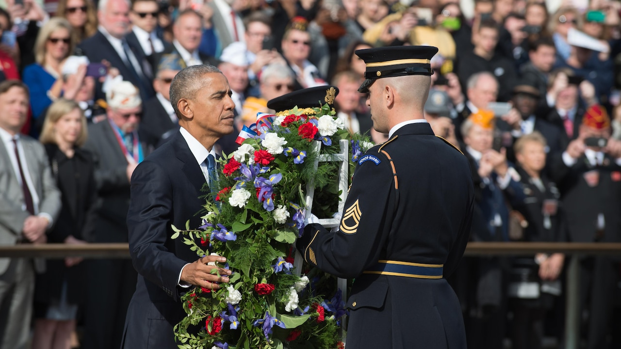 President Barack Obama lays a wreath during a Veterans Day ceremony at the Tomb of the Unknown Soldier, Arlington National Cemetery, Arlington, Va., Nov. 11, 2016. DoD photo by Army Sgt. Amber I. Smith