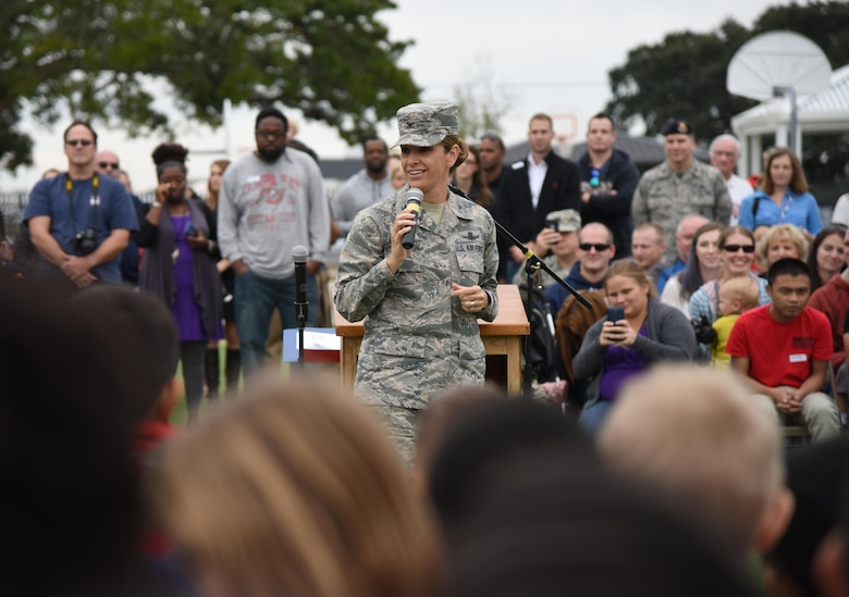 Col. Michele Edmondson, 81st Training Wing commander, delivers remarks during a Jeff Davis Elementary School Veterans Day Celebration Nov. 11, 2016, in Biloxi, Miss. During the event, students delivered the Pledge of Allegiance and sang several patriotic songs. The Keesler Honor Guard and other service members also participated in the event. (U.S. Air Force photo by Kemberly Groue/Released)