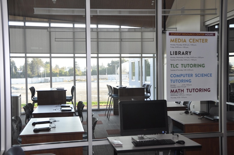 One of the many fully-interactive classrooms at the Foothill College Sunnyvale Center, which began accepting students on October 31st, five years after Onizuka was closed.  (U.S. Air Force photo/Scott Johnston)