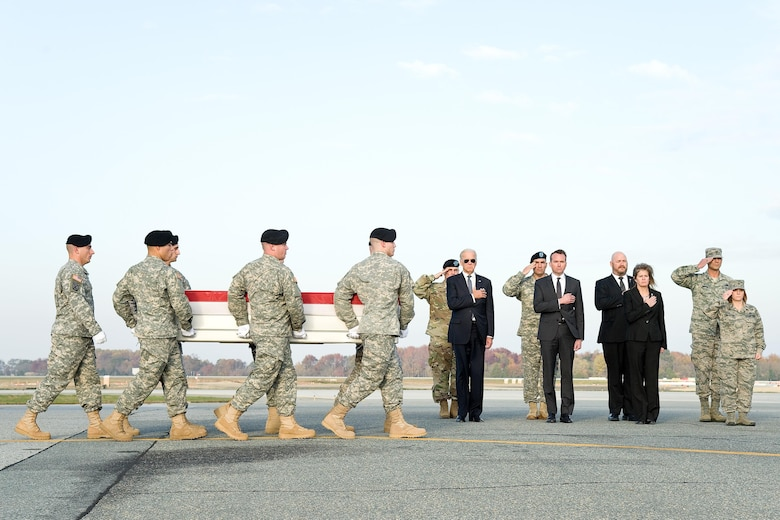 A U.S. Army carry team transfers the remains of Pfc. Tyler R. Iubelt, of Tamaroa, Ill., Nov. 15, 2016, during a dignified transfer at Dover Air Force Base, Del. Iubelt was assigned to Headquarters and Headquarters Company, 1st Special Troops Battalion, 1st Sustainment Brigade, 1st Cavalry Division, Fort Hood, Texas. (U.S. Air Force photo by Roland Balik)