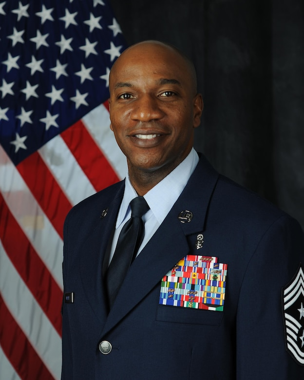 Chief Master Sgt. Kaleth O. Wright biography portrait. (U.S. Air Force file photo)
