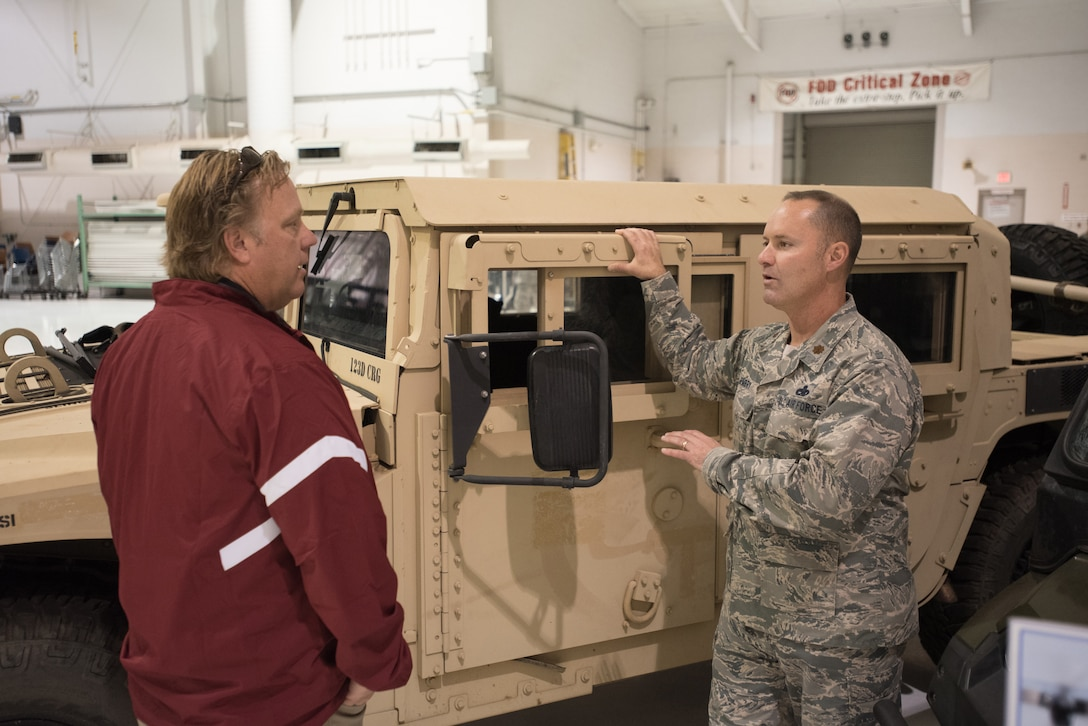 Bosslift Gives Civilian Employers Up Close Look At 123rd