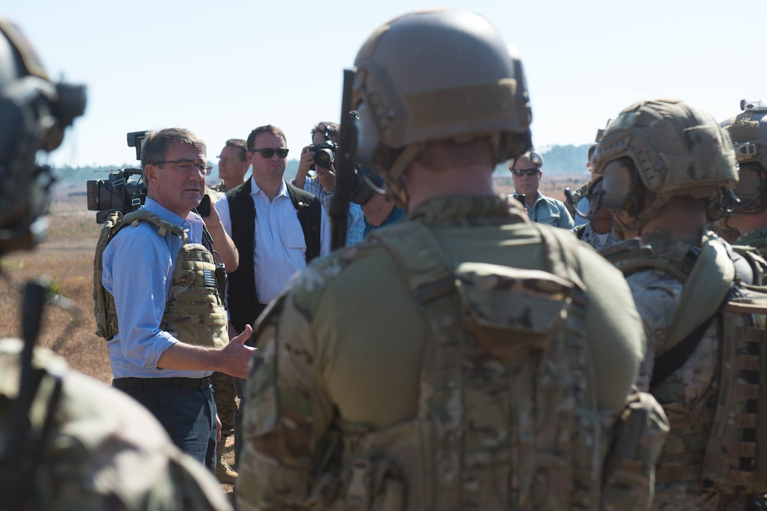 Defense Secretary Ash Carter speaks with Air Force special operators during a visit to Eglin Air Force Base, Fla.