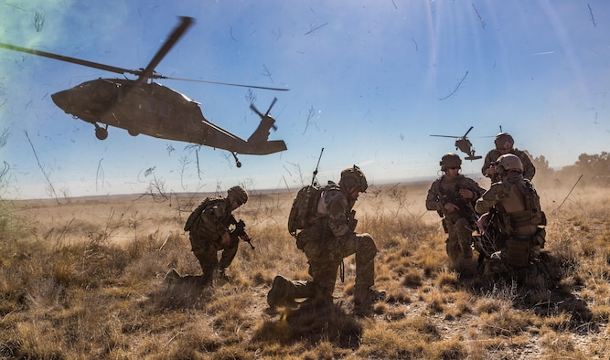 A tactical air control party from the 13th Air Support Operations Squadron at Fort Carson, Colo., prepares for helicopter extraction from the 4th Combat Aviation Brigade to Nov, 10 2016. (U.S. Air Force photo by Master Sgt. Baumgartner)