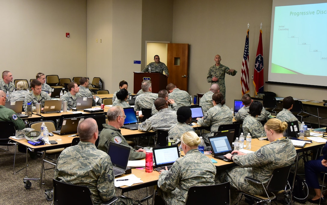 Airmen from the 118th Wing participate in a professional writing class on Oct. 1, 2016 in Nashville, Tenn. Two visiting enlisted professional military education instructors taught the class on how to improve their effective writing skills. (Air National Guard photo by Airman 1st Class Anthony Agosti/Released)