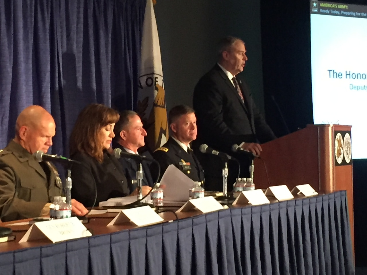 Deputy Defense Secretary Bob Work discusses the multidomain battlefield during the Association of the U.S Army's annual meeting in Washington, D.C., Oct. 4, 2016. DoD photo by Jim Garamone
